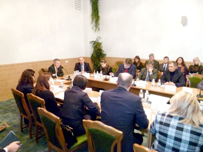 Roundtable_on_12_03_2014_02